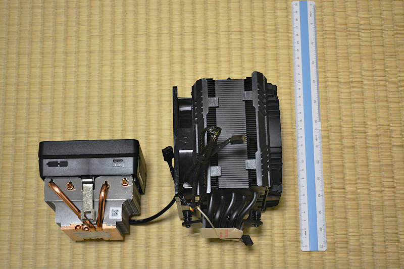 CPU付属ファン/AMD Wraith Prism Cooler(左)と Enermax ETS-T50AXE(右)