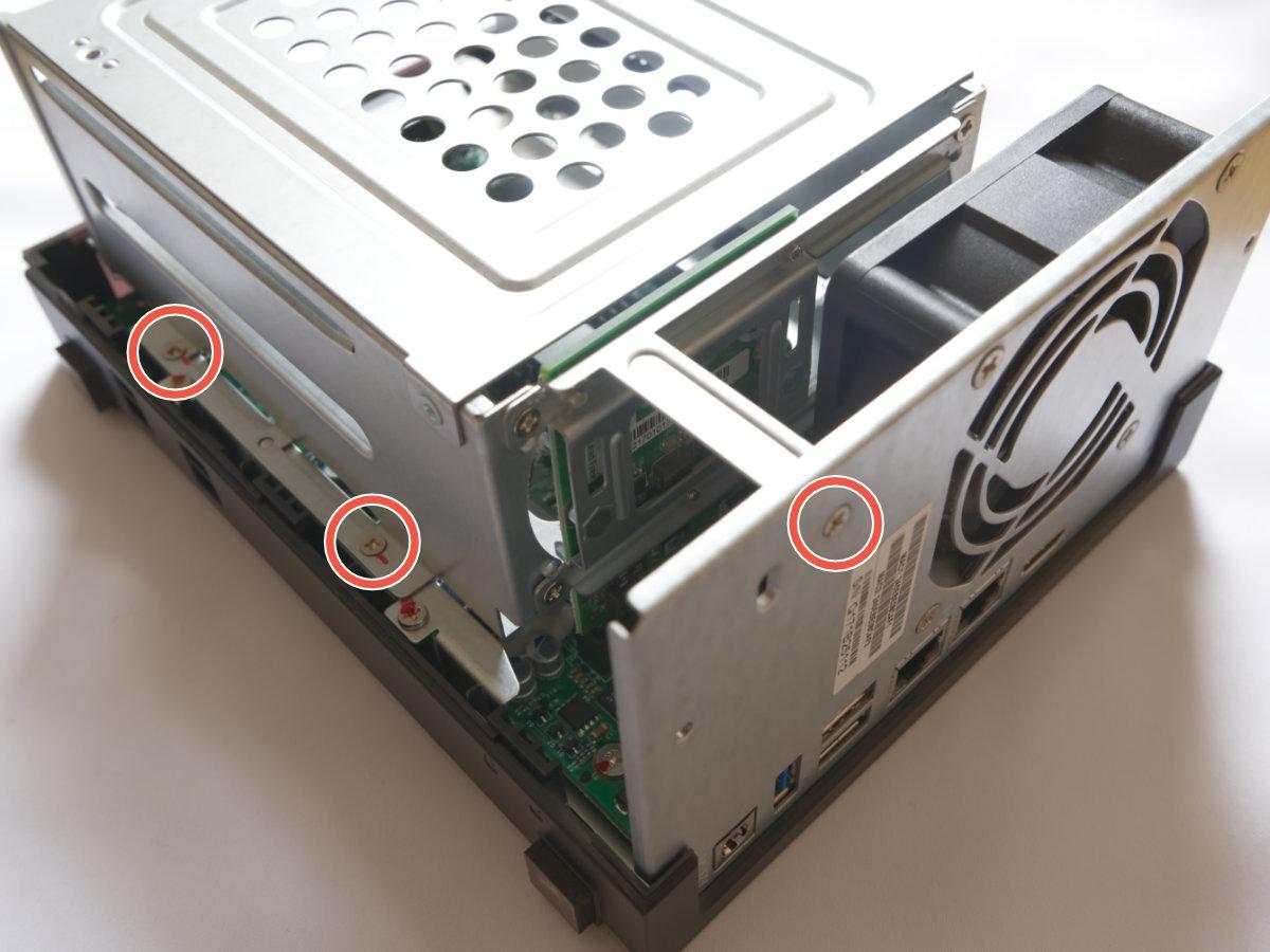 QNAP-TS251のメモリ換装その1