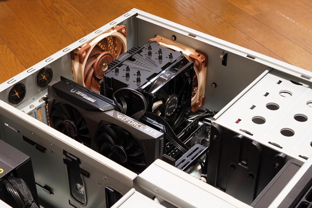 Enermaxの大型CPUクーラーETS-T50AXE